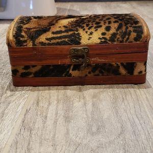 Vintage leopard box